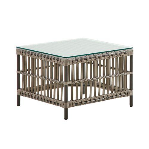 Caroline pöytä 600x600