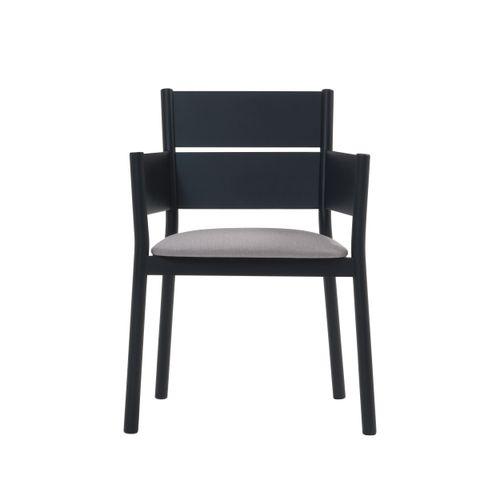 Ella käsinojallinen tuoli