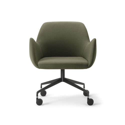 Kesy-05 128 käsinojallinen tuoli