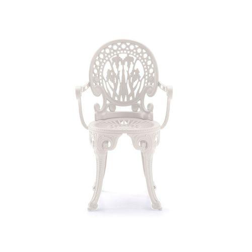 Narcisi 102 käsinojallinen tuoli